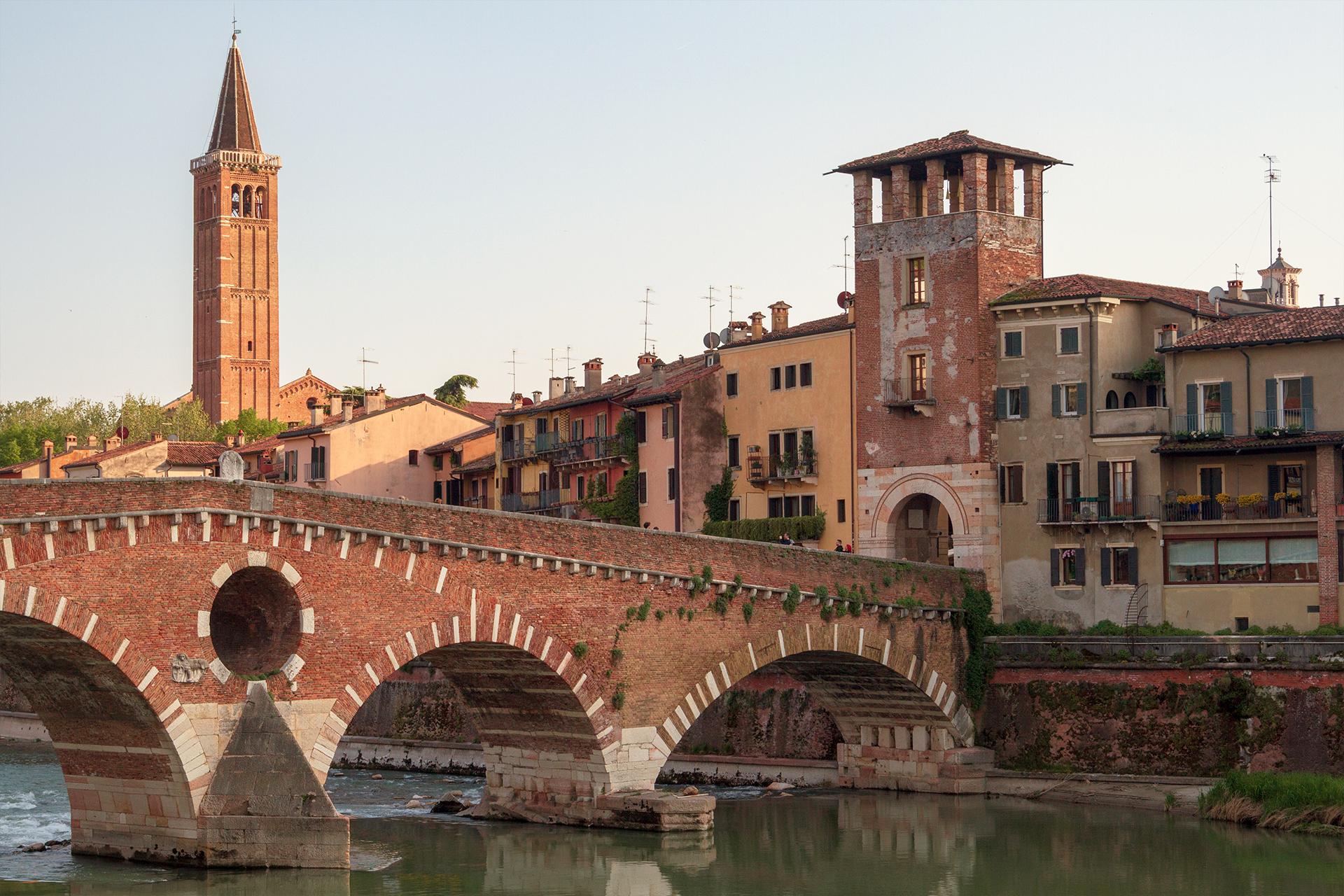 Agenzia di Traduzione <br>Verona